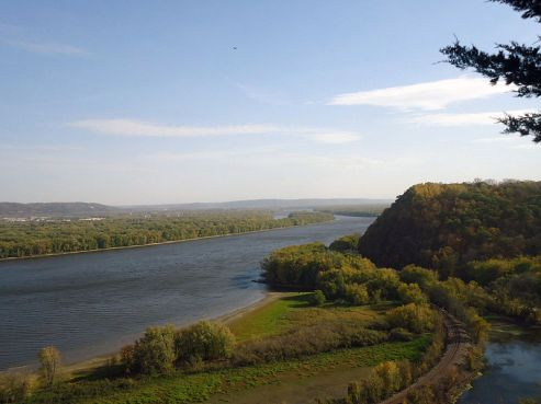Gfp-iowa-effigy-mounds-mississippi-with-oxbow