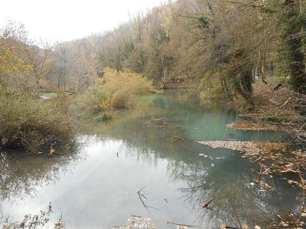 Ebro_river_source,_Cantabria_Spain,_13_November_2015_(15)